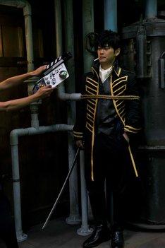 「銀魂」撮影現場での柳楽優弥。