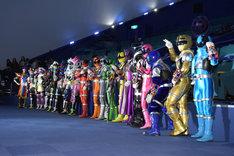 「劇場版 仮面ライダーエグゼイド トゥルー・エンディング」「宇宙戦隊キュウレンジャー THE MOVIE ゲース・インダベーの逆襲」のヒーローたち。