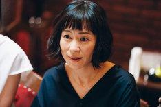 松井周脚本、スミス監督「夫が女装する女」より、西田尚美。