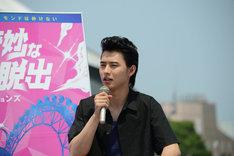 映画祭に参加した感想を述べる山崎賢人。