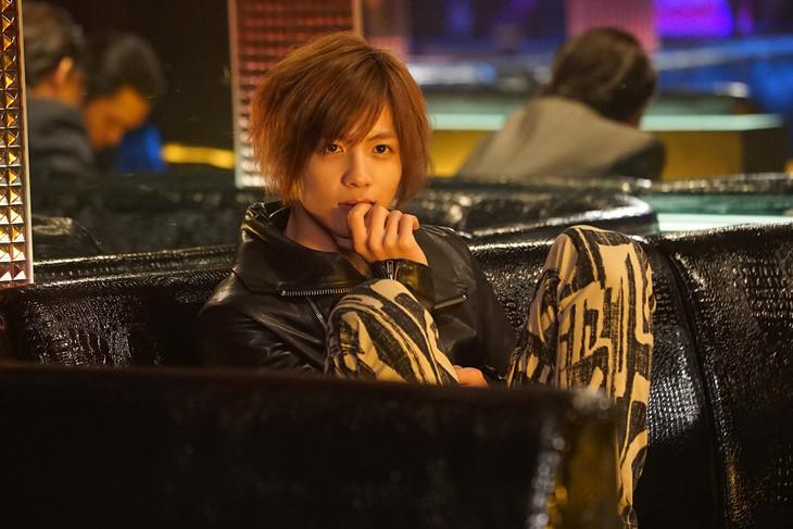 「探偵はBARにいる3」に波留役で出演する志尊淳。
