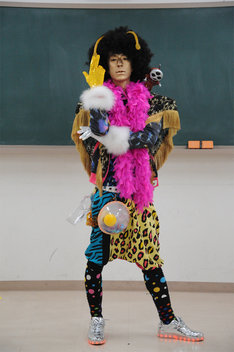 「from Episode of スティンガー 宇宙戦隊キュウレンジャー ハイスクールウォーズ」より、松本寛也演じるホシ★ミナト。
