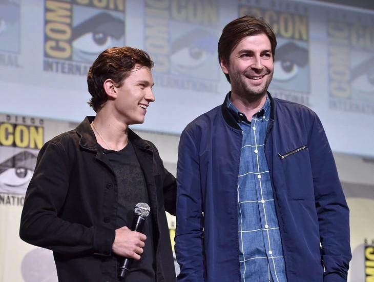 7月に米サンディエゴで開催されたコミコン・インターナショナルに登壇したトム・ホランド(左)とジョン・ワッツ(右)。