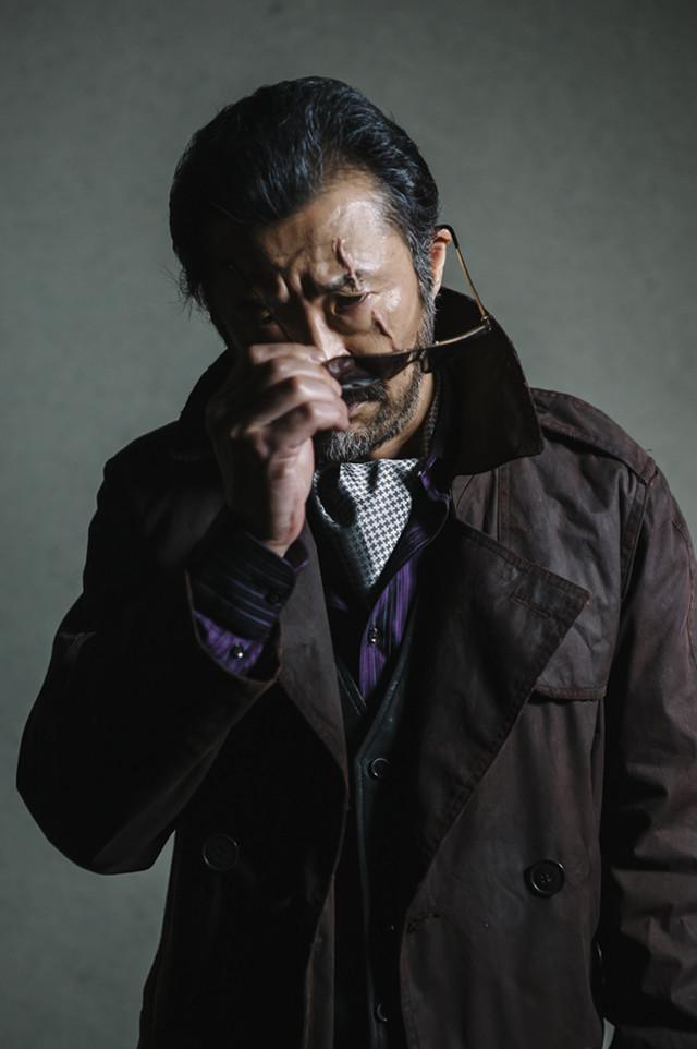 「RE:BORN リボーン」より、大塚明夫演じるファントム。