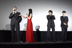「闇金ドッグス6」初日舞台挨拶の様子。