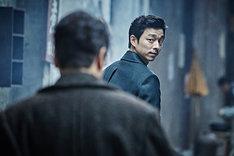 「密偵」より、コン・ユ演じるキム・ウジン。