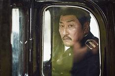 「密偵」より、ソン・ガンホ演じるイ・ジョンチュル。