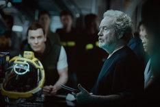 「エイリアン:コヴェナント」撮影中のリドリー・スコット。