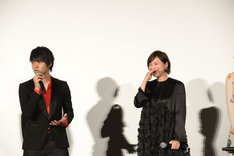 左から佐野勇斗、広末涼子。