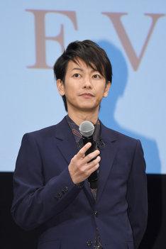 自身の姓と綾野の役名が同じだったことについて「28年間佐藤として生きてきた僕からすると、よくあることなので驚きはないです」と語った佐藤健。