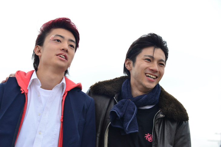 「デメキン」より、健太郎演じる正樹(左)と山田裕貴演じる厚