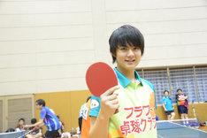 試合後、悔しさのにじむ笑顔を向けた佐野勇斗。