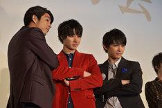 左から賀来賢人、山崎賢人、吉沢亮。