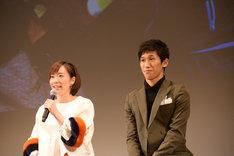 左から石川佳純、吉村真晴。