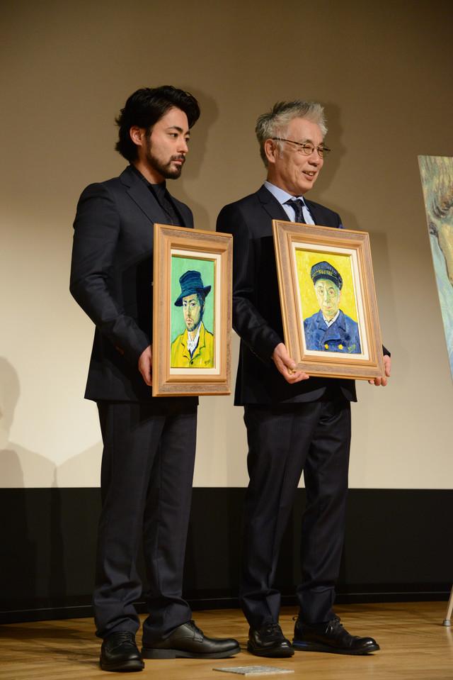 「ゴッホ~最期の手紙~」ジャパンプレミア試写会の様子。左から山田孝之、イッセー尾形。
