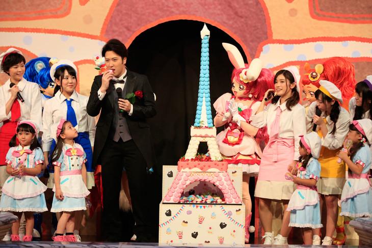 「映画キラキラ☆プリキュアアラモード パリッと!想い出のミルフィーユ!」完成披露イベントの様子。