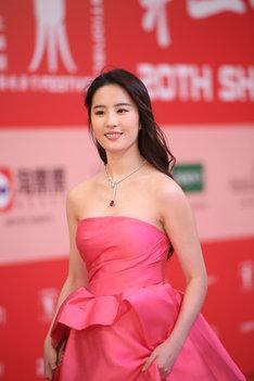 2017年6月、第20回上海国際映画祭に出席したリウ・イーフェイ。(写真提供:Sipa Asia / Sipa USA / Newscom / ゼータ イメージ)