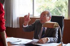 ガッツ石松演じる「スポーツ青空党」の代表。