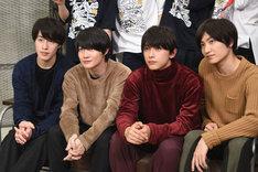 左から富田健太郎、神木隆之介、吉沢亮、金子大地。