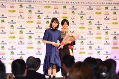 三島有紀子(右)と南沙良(左)。