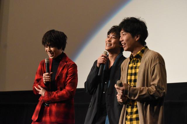 左から西銘駿、佐野岳、上堀内佳寿也。