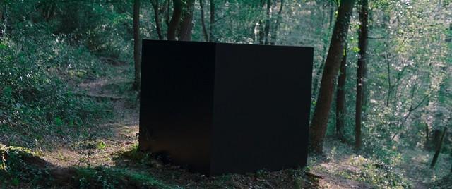 「黒い箱のアリス」