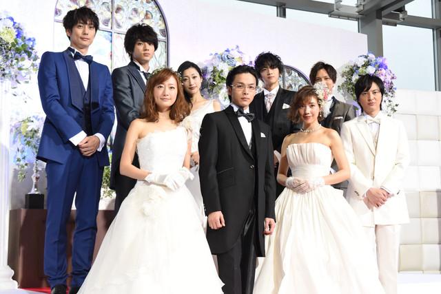 「金曜ナイトドラマ『ホリデイラブ』」制作発表会見の様子。
