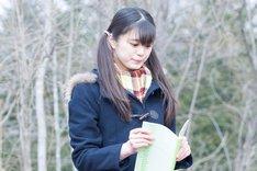 加藤理佐子役を演じる紺野彩夏。