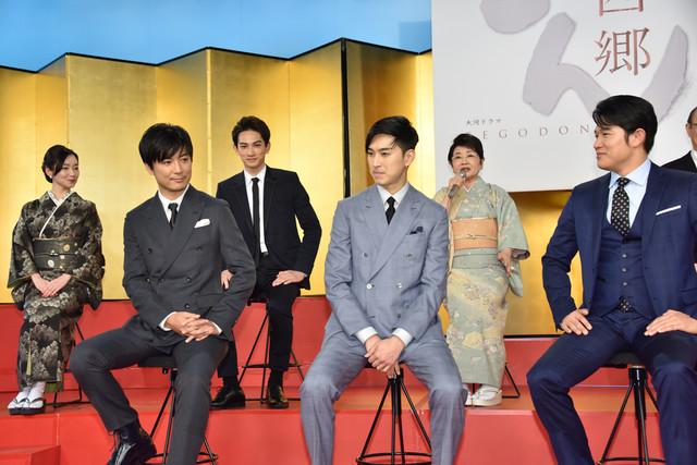 NHK大河ドラマ「西郷どん」記者会見の様子。