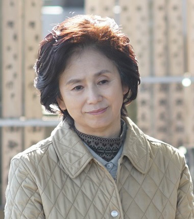 朝加真由美演じる西野佐恵。