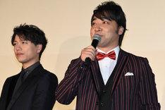 左から山崎育三郎、ジャングルポケット斉藤。