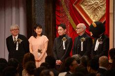 優秀音楽賞の受賞者たち。左から鈴木慶一、富貴晴美、村松崇継、ルドヴィコ・エイナウディ、JIN。