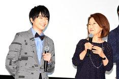 左から知念侑李、綾戸智恵。