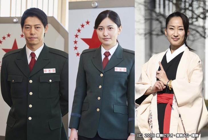 左から出合正幸演じるロイ、高山侑子演じる鳴瀬キミコ、広瀬仁美演じる鶴菊。