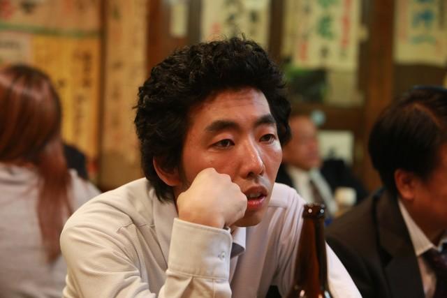「宮本から君へ」より、柄本時生演じる田島薫。