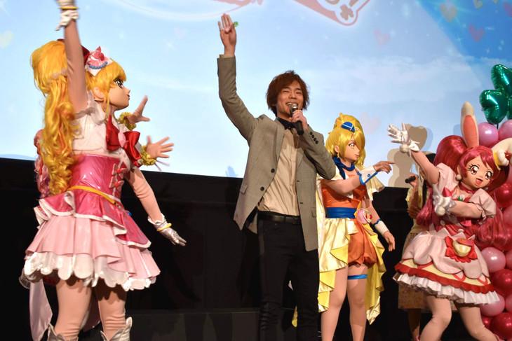 「映画プリキュアスーパースターズ!」初日舞台挨拶に登壇した小野賢章。