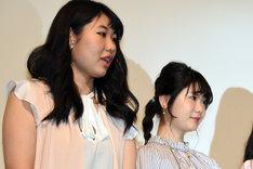 左から齋藤美咲、小野花梨。
