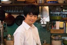 「兄友」より、福山潤演じる橘萩之介。