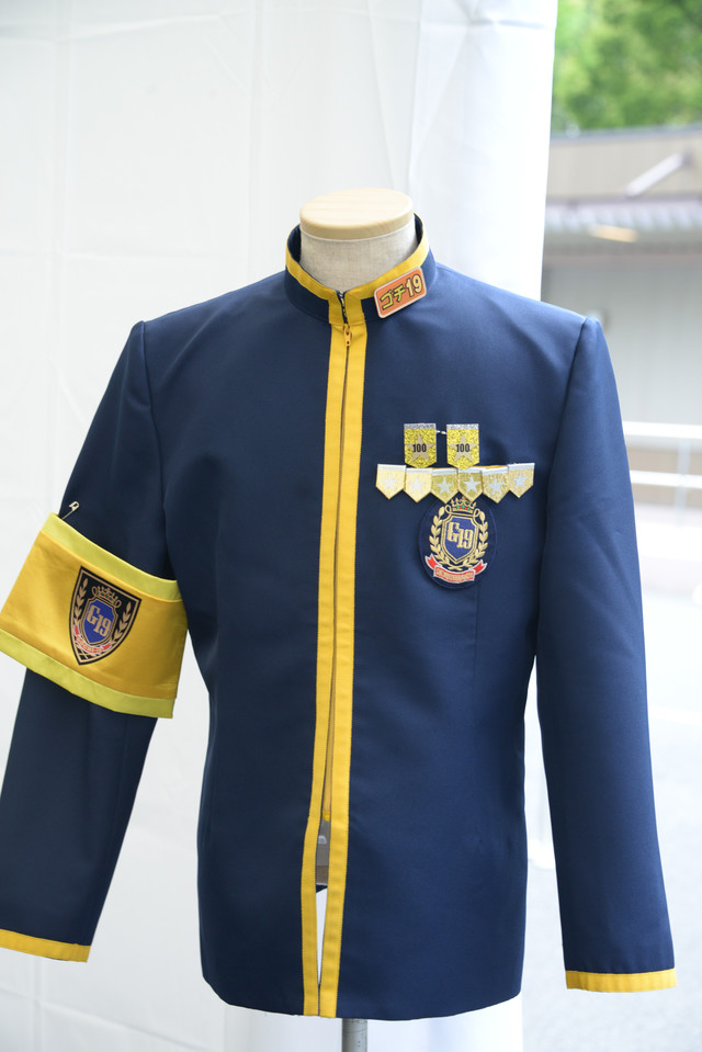大杉漣がレギュラー出演していた「ぐるぐるナインティナイン」の「グルメチキンレース・ゴチになります! 」の衣装。