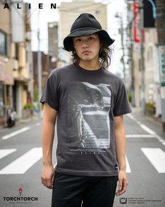 """エイリアン""""YOU ADMIRE IT""""Tシャツ(ブラック / 4860円)"""