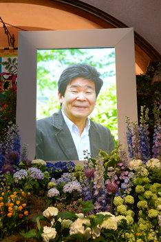 2010年に撮影された高畑勲の遺影。