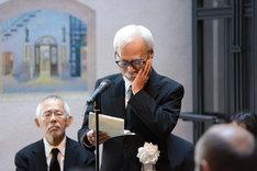 開会の辞を捧げる宮崎駿。