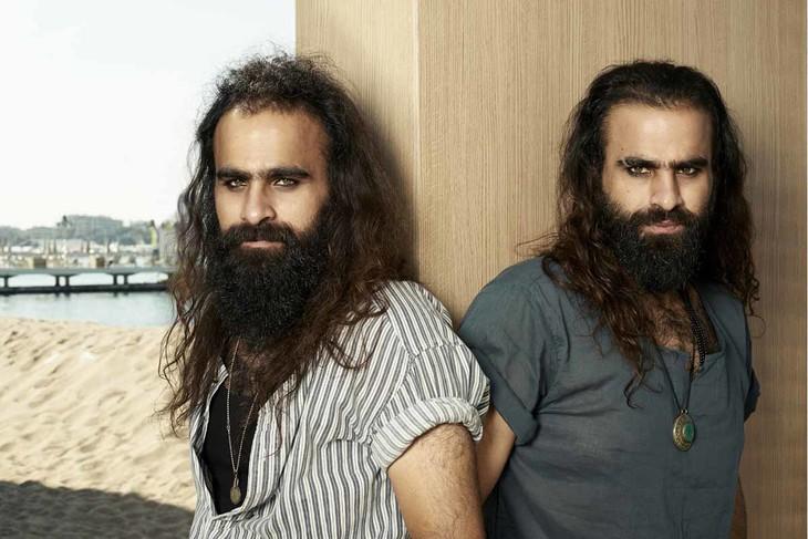 「ガザの美容室」監督のアラブ・ナサール(左)、タルザン・ナサール(右)。