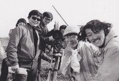 1969年撮影の若松プロダクションの面々。左から吉積めぐみ、若松孝二、赤川修也、伊東英男、秋山道男、小水一男。