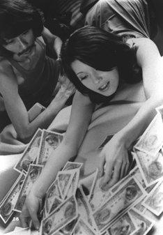 「札幌・横浜・名古屋・雄琴・博多 トルコ渡り鳥」 (c)東映