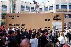 「ジュラシック・ワールド/炎の王国」ロサンゼルスでのAmazonデリバリーイベントの様子。