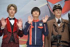 左から伊藤あさひ、結木滉星、田中直樹。