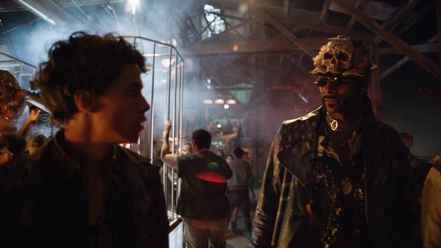 「フューチャーワールド」より、スヌープ・ドッグ演じるラブロード(右)。
