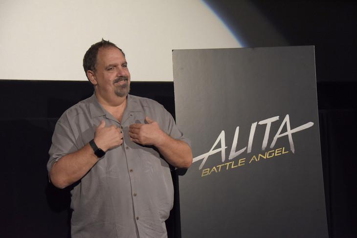 映画「アリータ:バトル・エンジェル」のプレゼンテーションに参加したジョン・ランドー。