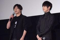 左から水崎淳平監督、梶裕貴。